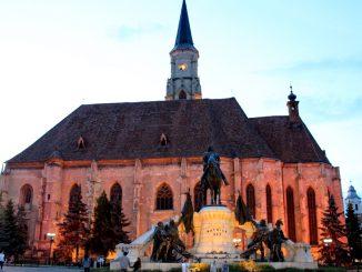 Biserica Sfântul Mihail din centrul municipiului Cluj-Napoca. FOTO Adrian Boioglu