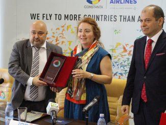 Premiul Turkish Airlines a fost primit de Gunes Tanay, managerul Turkish Airlines Constanța. FOTO Adrian Boioglu